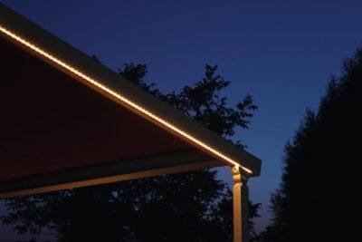 Integrierte Beleuchtung für die Terrassenüberdachung