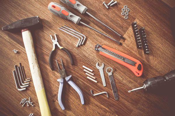 Werkzeug für die Rollladen Reparatur